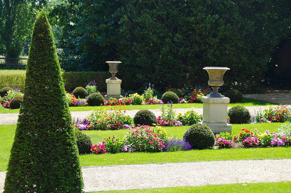 Aménagement végétal : allées de jardin