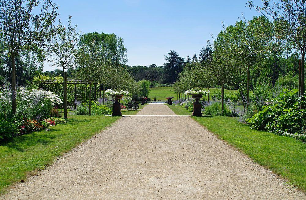Aménagement végétal : allée de jardin